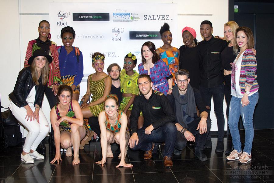 BLOG by Amber: Leerlingen van Dik Peeters helpen om de fashion show van Akwan2fo een succes te maken