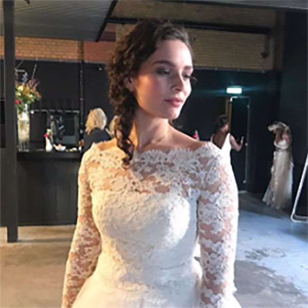 BLOG by Amber: Shanon werkt mee aan de The art of wedding in de lichtfabriek in Haarlem